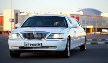 Аренда Lincoln Town Car Limousine